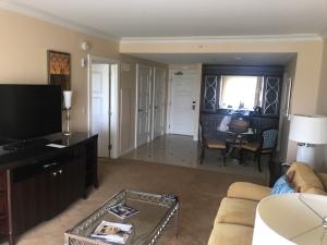 Waldorf Orlando Golf Suite Room